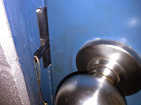 portabledoorlock3